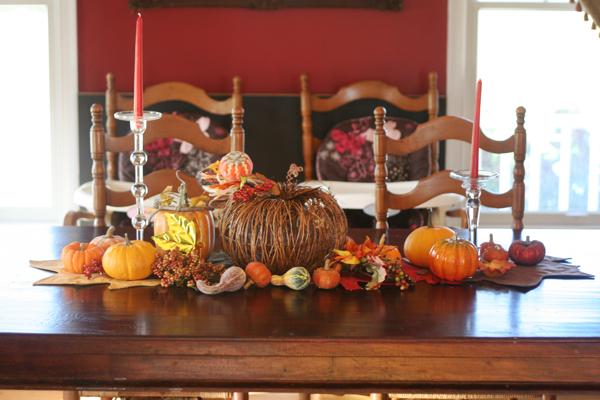 Halloween/Fall Home Decor Tour (Stephanie Howell)